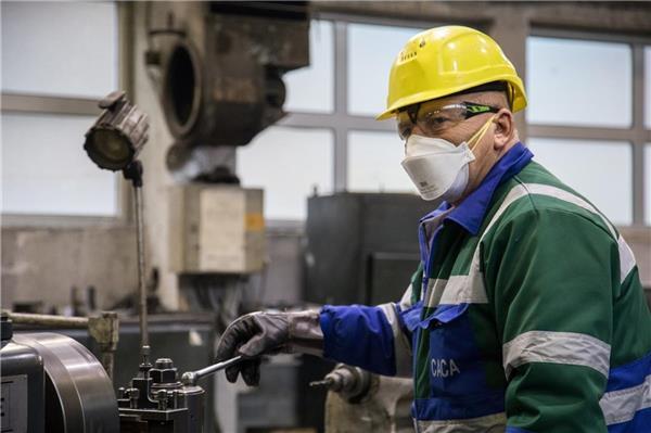 Со дополнителни здравствени и безбедносни мерки рудникот САСА продолжува со работа, а вработените добија тримесечен бонус