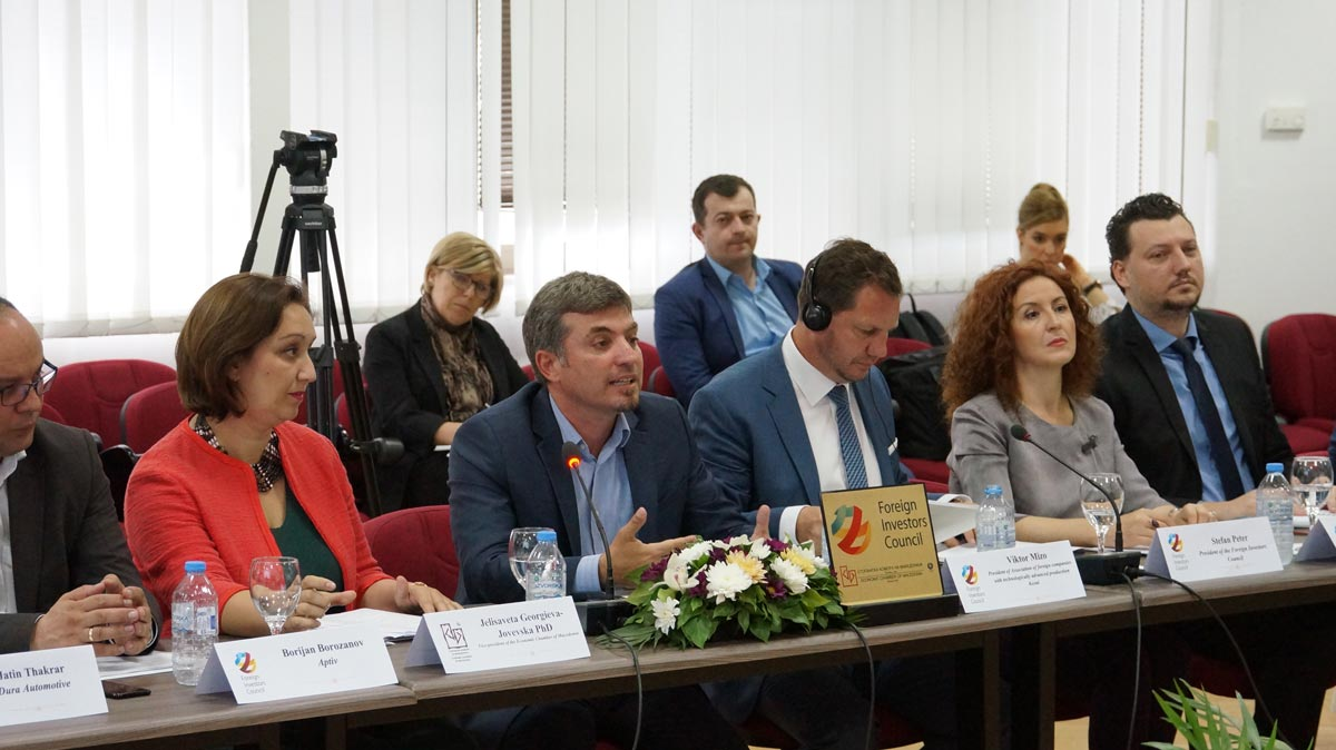 WORKING MEETING OF THE ASSOCIATION OF FOREIGN COMPANIES WITH TECHNOLOGICALLY ADVANCED PRODUCTION WITH THE PRIME MINISTER ZAEV, THE DEPUTY PRIME MINISTER ANGJUSHEV AND THE DIRECTOR SO FPRO AND THE CUSTOMS ADMINISTRATION