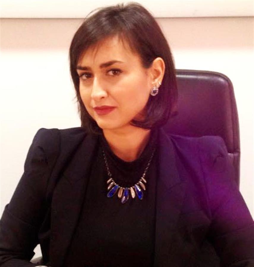 Сања Николова