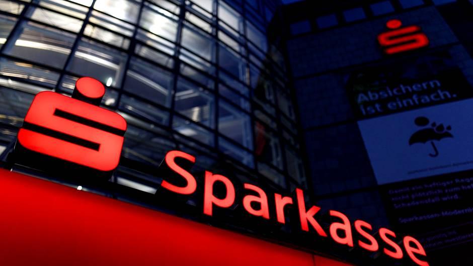 Шпаркасе ја презеде Охридска банка, станува четврта банкарска групација со 14 проценти пазарен удел